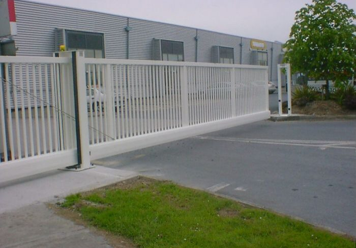 Cantilever gate at Dennehy's Commercials